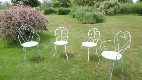 jardin mosaïque,chaises,