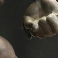 bronze,statue,main,